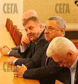 Глупавата политкоректност донесе на Каракачанов ръст от 1700%