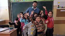 Всекидневни герои: Захри и свободата на децата да бъдат деца