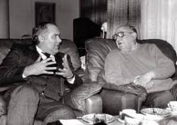 Костадин Чакъров: За да съсипе комунизма, папа Йоан Павел II допусна радикалния ислям в Европа