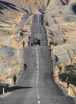 В Турция военните държат мощни лостове